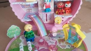 知育玩具こえだちゃんキキ&ララ月のおうちアンパンマンブロック
