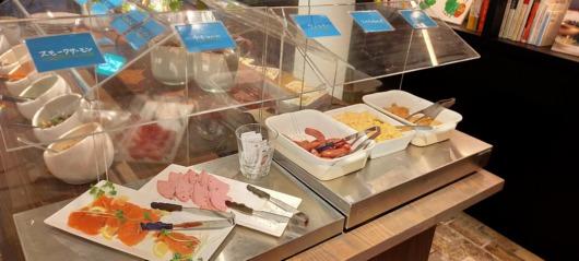 子連れで泊まってよかったホテルホテルリソルトリニティ大阪2020年オープン朝食ビュッフェBLUEBOOKSgafe和洋30種スモークサーモンおいしい